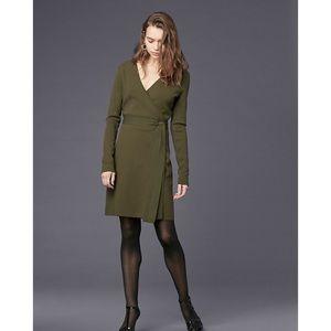 NWOT Diane Von Furstenberg LS Wool Knit Wrap Dress